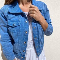 Nouvelle couleur pour le blouson Katrina 💙 Toujours en 100% coton, bien-sûr 😉 Nous on adore ce bleu azur 😍 Et vous ?   #lacotonniere#nouvellecollection#nouvellecouleur#newcollection#newcolor#collectionfemme#womancollection#blouson#azur#cottonjacket#jacket#vestecoton#casual#springstyle
